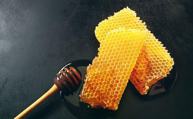 علاج الديدان عند الاطفال بالعسل