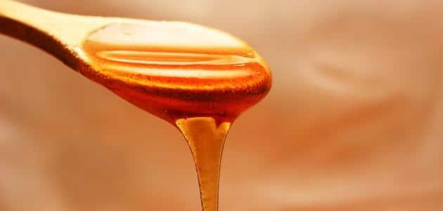 كيفية استعمال العسل على السرة وقت الدورة
