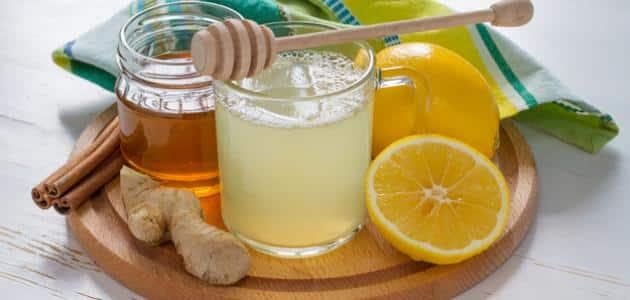العسل والماء الدافئ على الريق